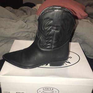 Steve Madden Corpus black boot